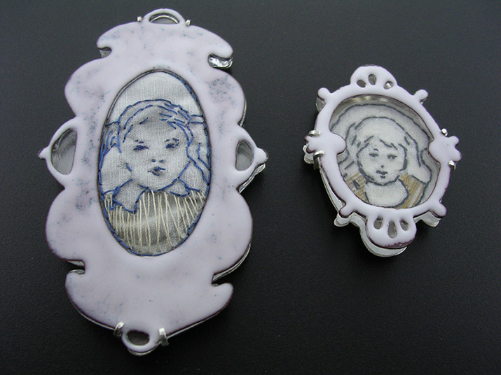 Embrioderybrooches