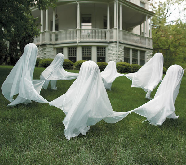 Staked-yard-ghosts-1