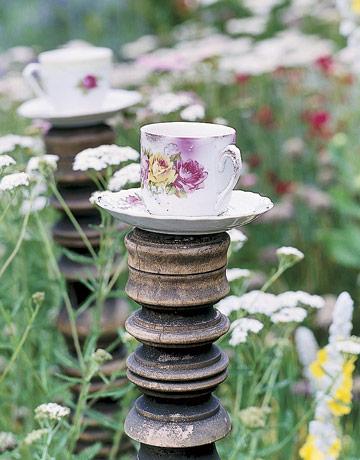 Teacups-birdbath-HTOURS0705-de