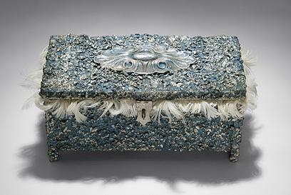 Box_of_silver_swan_spare_parts_an_2