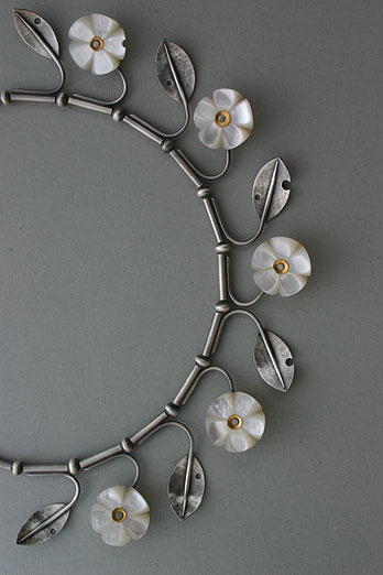 Blossom_necklace
